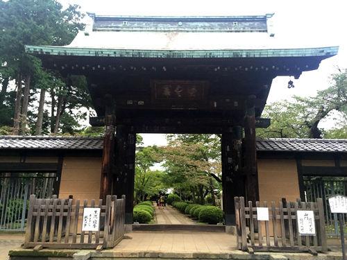 豪徳寺の入り口