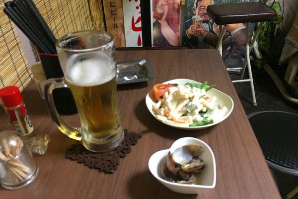 ビールとマカロニサラダ