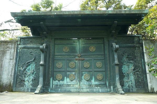 徳川将軍家墓所 鋳抜門