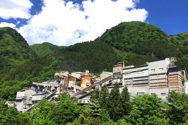 橋からの工場